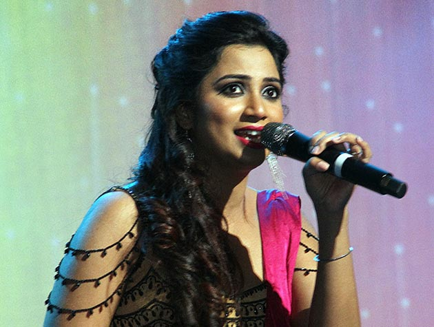 Top Ten most Popular Bollywood Singers 2018, Shareya