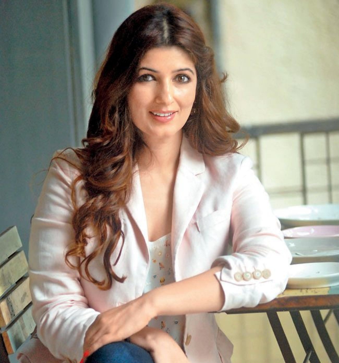 Twinkle Khanna Family Images Father Mother Husband Son Name