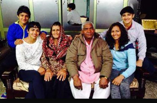Vinesh Phogat Family Background, Mother Name, Biography