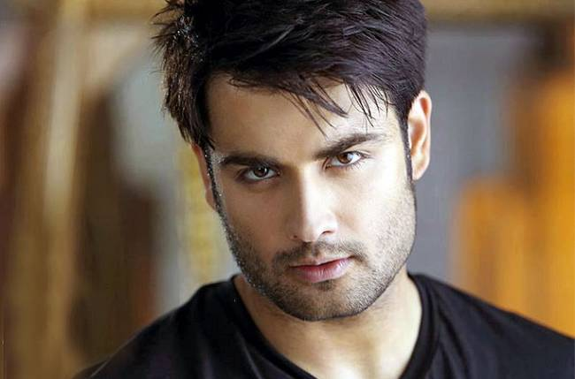 Vivian Dsena Family Photos, Wife, Father And Mother Name, Age, Biography