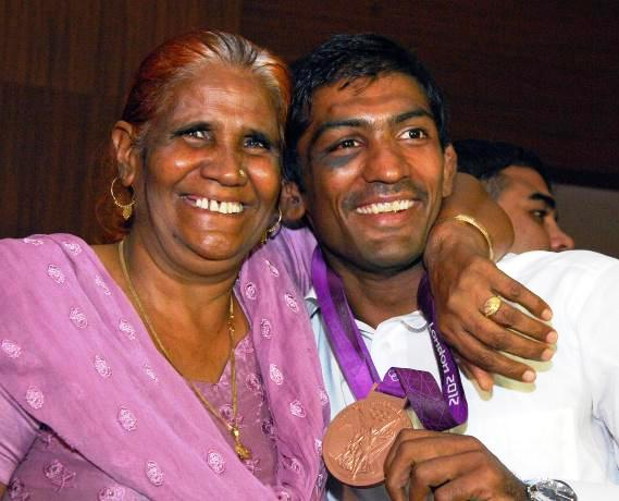 Yogeshwar Dutt Family, Wife Photos, Mother Name, Biography