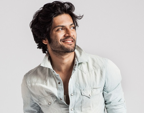 ali-fazal-family-background-father-name-wife-age-biography