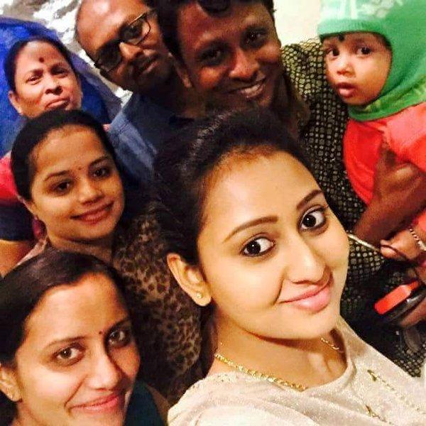 amulya-family-photos-husband-height-weight