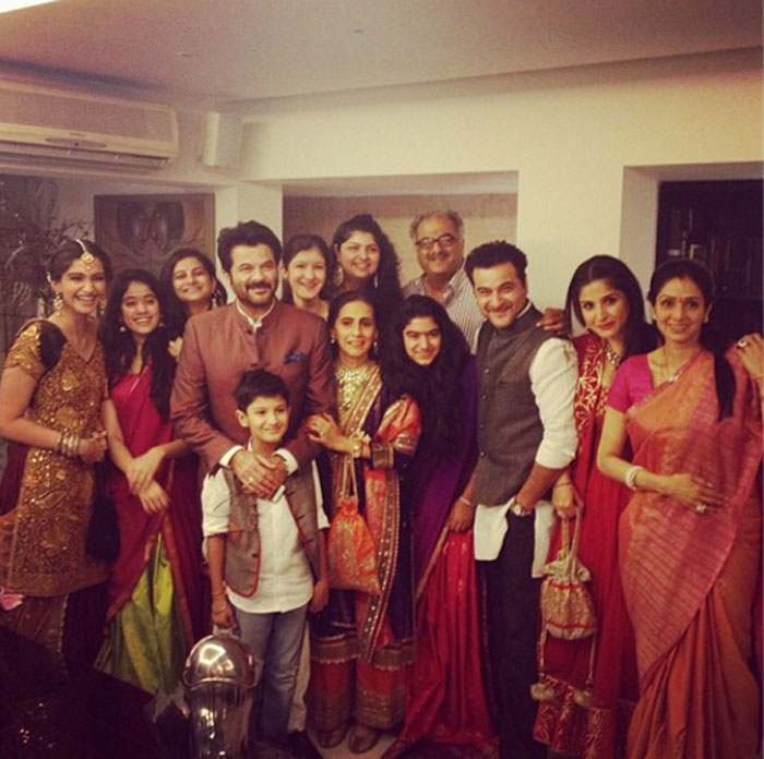 Anil Kapoor Family Photo, Wife, Daughter, Son, Age,