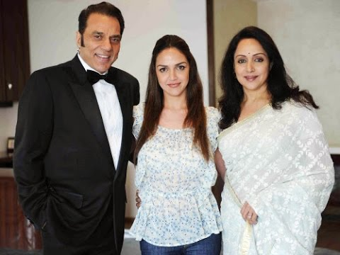 esha-deol-family-pics-father-and-mother-name-biography