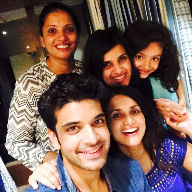 karan-kundra-family-photos-brother-age-height
