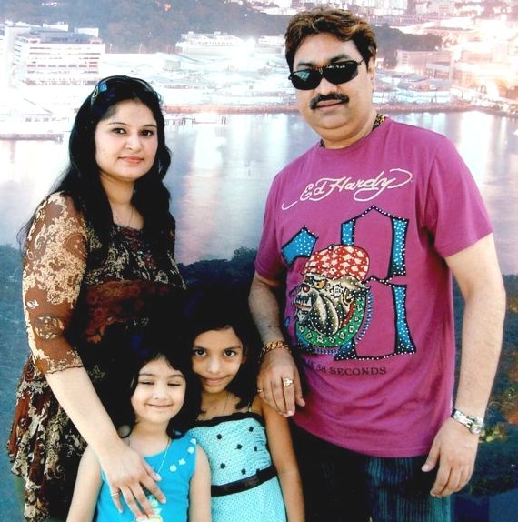 Kumar Sanu Family Photo,, Daughter, Son, Father, Age, Biography