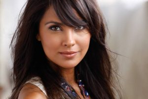 lara-dutta-family-photo-husband-name-daughter-age-father-biography
