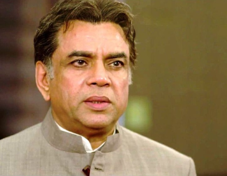 paresh-rawal-family-photo-wife-son-daughter-age-biography