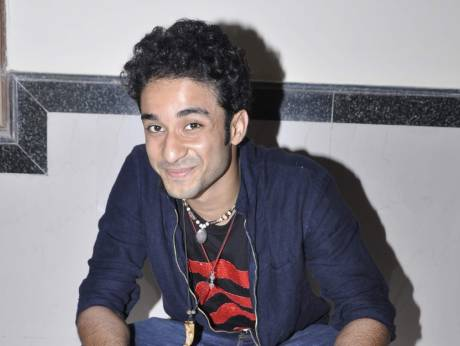 Raghav Juyal Family Photo, Father And Mother Name, Brother, Biography
