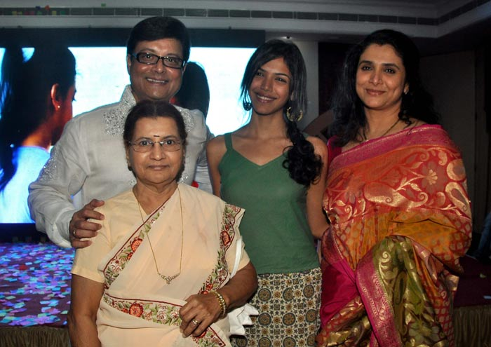 Sachin Pilgaonkar Family Photo, Wife, Daughter, Biography