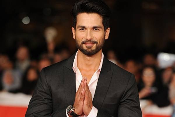 Shahid Kapoor Family Photos, Father And Mother, Wife Name, Age, Biography