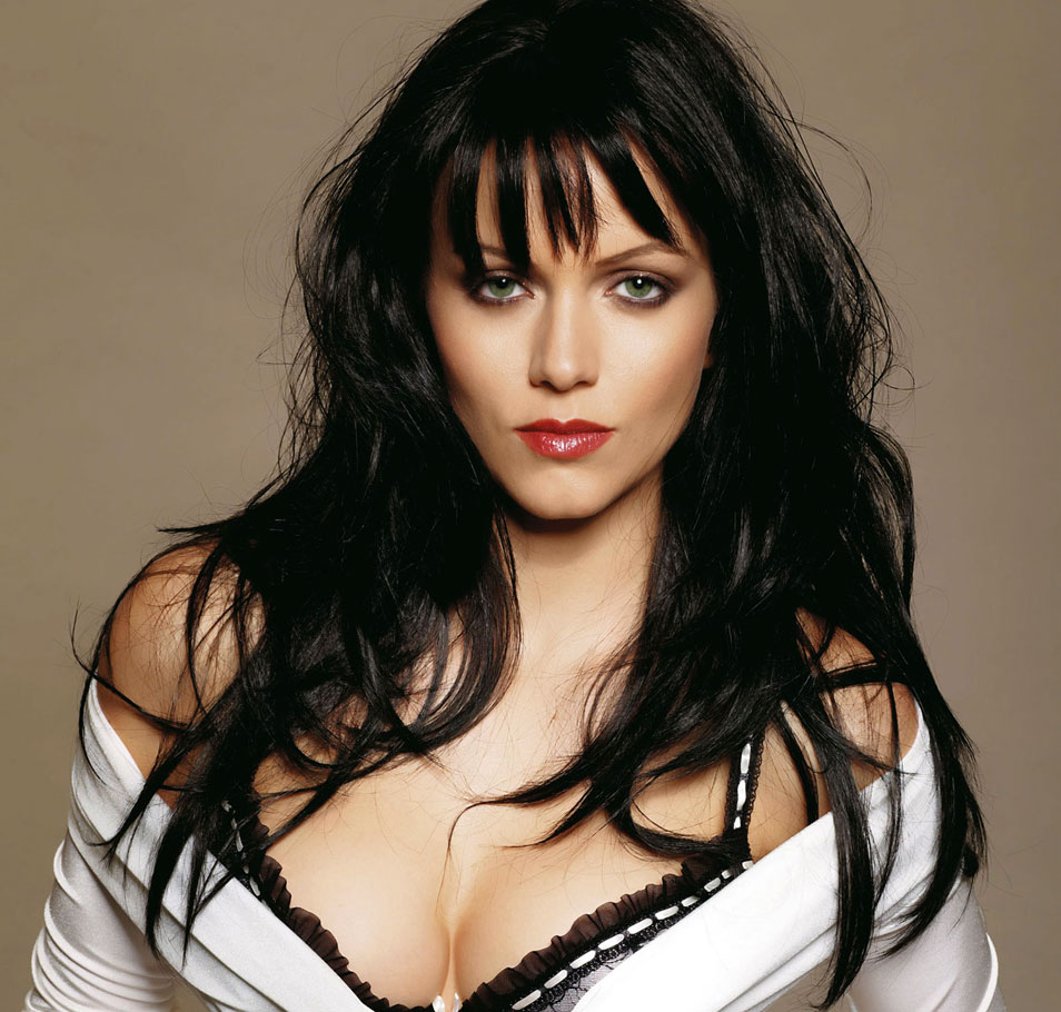 Yana Gupta Family Pics Biography, Husband, Height, Weight