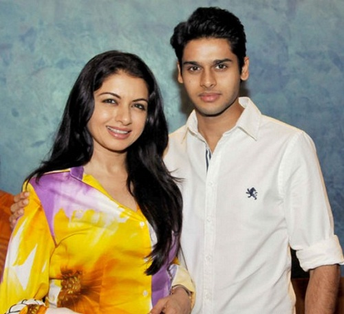 Bhagyashree Family Pictures, Age, Son