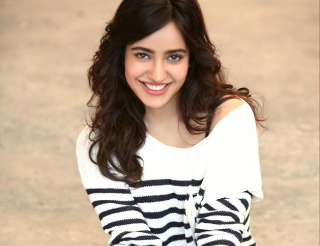 Neha Sharma Family Photo, Husband Name, Siblings, Age, Height