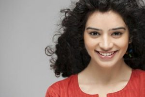 Sukirti Kandpal Family Photos, Father, Mother, Husband Name, Age, Biography