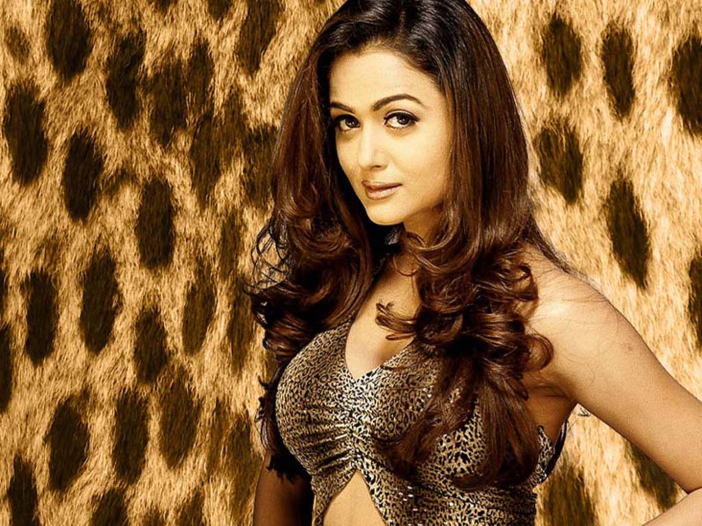 Amrita Arora Family Pictures, Husband, Children, Age, Height