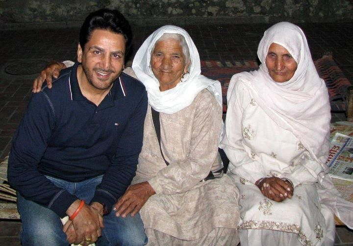 Gurdas Maan Family Pictures, Wife,  Bio Data, Height