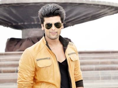 Kushal Tandon Family Pics, Age, Height, Wife, Sister