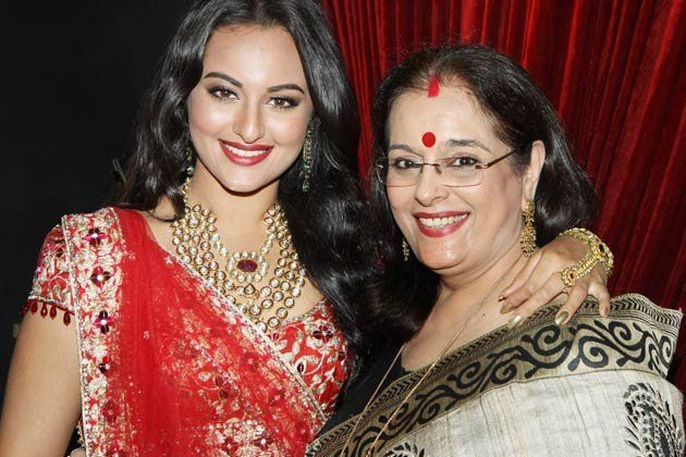 Poonam Sinha Family Photos, Husband, Daughter, Sons