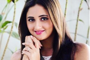 Rashami Desai Family Photos, Husband, Father Mother, Age, Biography