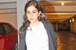 Sara Ali Khan Family Photos, Father, Boyfriend, Age, Height, Biography
