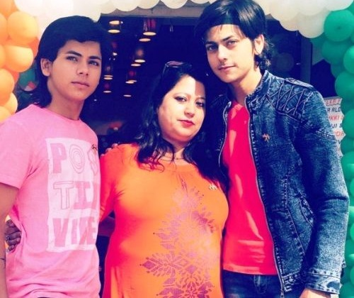 Siddharth Nigam Family Background, Father And Mother Name, Age, Biography