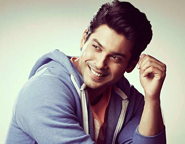 Siddharth Shukla Family Pics, Father And Mother Name, Wife, Marriage, Age