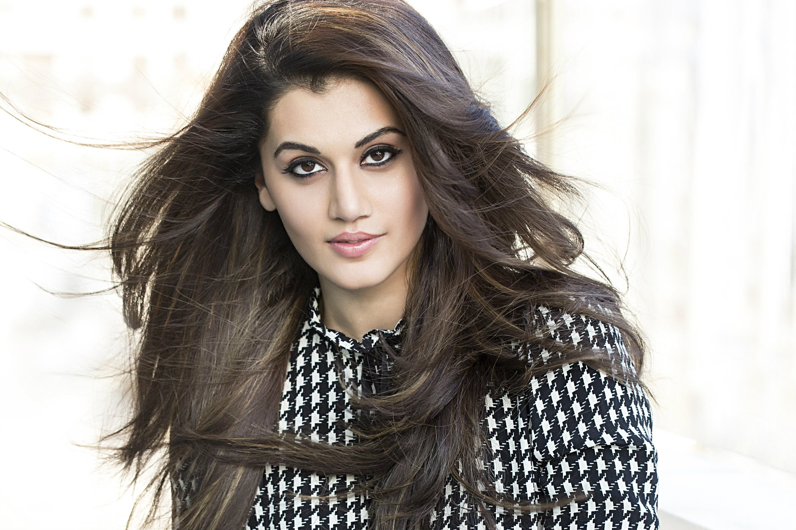 Taapsee Pannu Family Photos, Husband, Age, Height, Sister