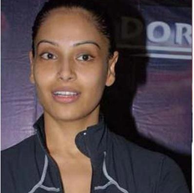 Top Bollywood Actresses Without Makeup Pictures, Bipasha Basu