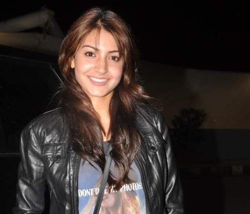 Top Bollywood Actresses Without Makeup Pictures, Anushka Sharma