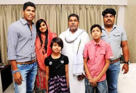 Umesh Yadav Family Photo, Wife, Age,  Biography