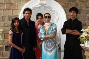 Bollywood Celebrities With Their Family Pictures