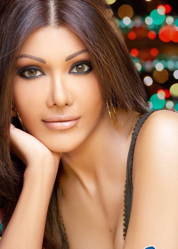 Koena Mitra Family Photos, Father, Husband, Age, Height, Biography