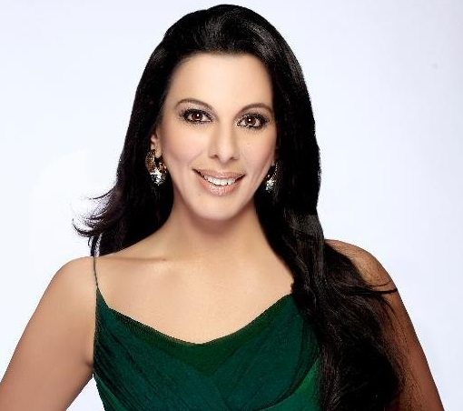 Pooja Bedi Family Photos, Daughter, Son, Father, Husband, Age