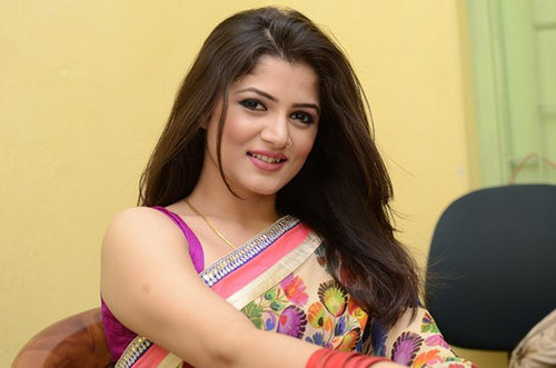 Srabanti Chatterjee Family Photos, Father, Husband Name, Age, Biography