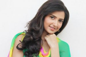 Subhashree Ganguly Family Photos, Father, Mother, Wedding, Age, Biography