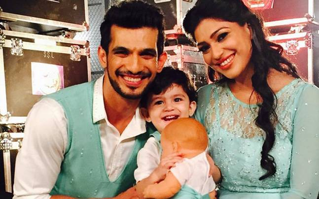 Arjun Bijlani Family Photos, Wife, Son, Father, Age, Biography