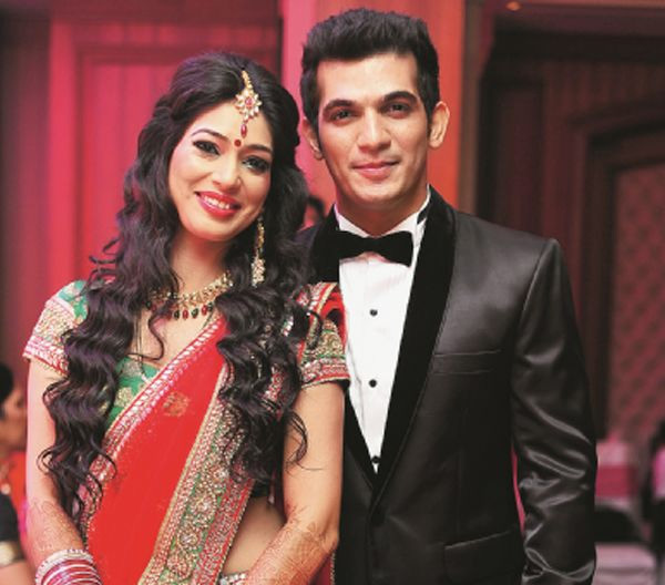 Arjun Bijlani Family Photos, Wife, Son, Mother, Age, Biography