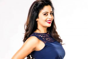 Neha Pendse Family Photos, Father, Husband, Wedding, Age, Biography