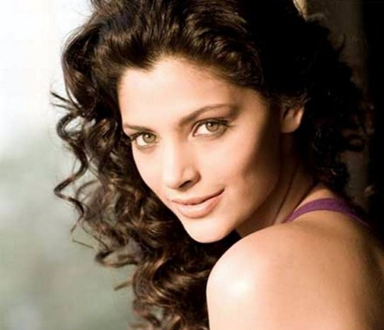 Saiyami Kher Family Photos, Father, Mother, Age, Husband, Biography