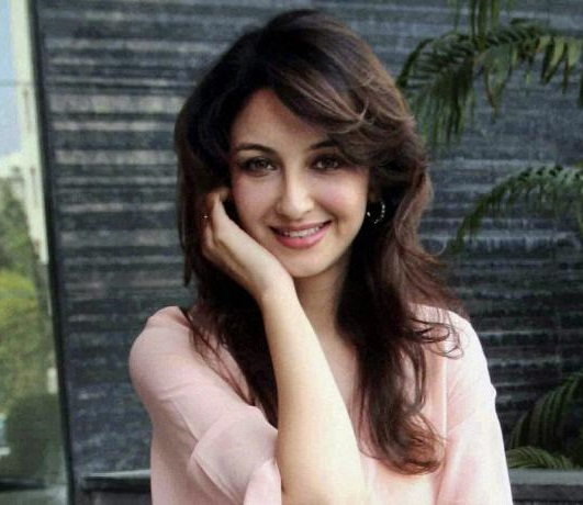 Saumya Tandon Family Photos, Father, Husband, Age, Height, Biography