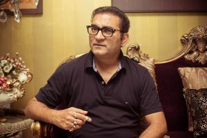 Abhijeet Bhattacharya Family Photos, Father, Wife, Son, Daughter, Age, Biography