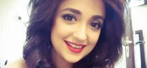 Monali Thakur Family Photos, Father, Age, Husband, Height, Biography