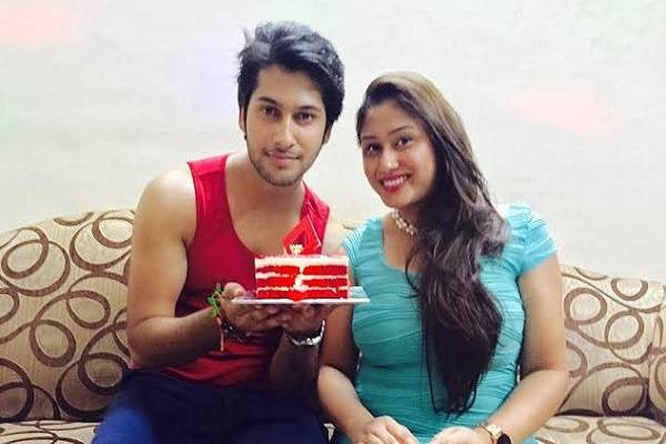 Namish Taneja Family Photos, Father, Mother, Wife, Height, Biography