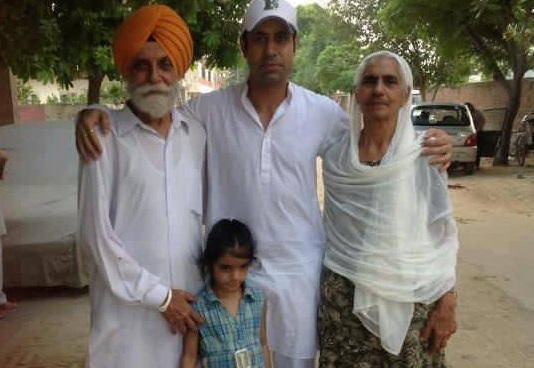 Binnu Dhillon Family Photos, Father, Mother, Wife, Daughter, Biography