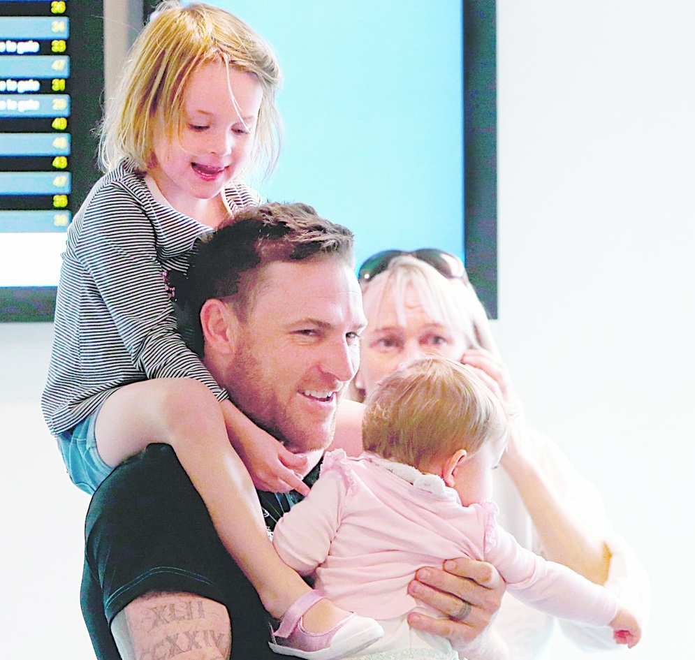 Brendon McCullum Family Photos, Mother, Wife, Son, Daughter, Age, Bio
