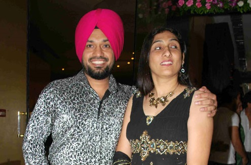 Gurpreet Ghuggi Family Photos, Father, Wife, Son, Daughter, Age, Bio