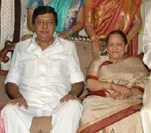 Jyothika Saravanan Family Photos, Father, Mother, Husband, Son, Age, Bio