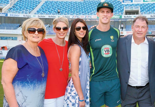Mitchell Marsh Family Photos, Father Mother, Wife, Brother, Sister, Biography